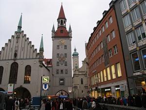 По Мюнхену на автомобиле и пешком