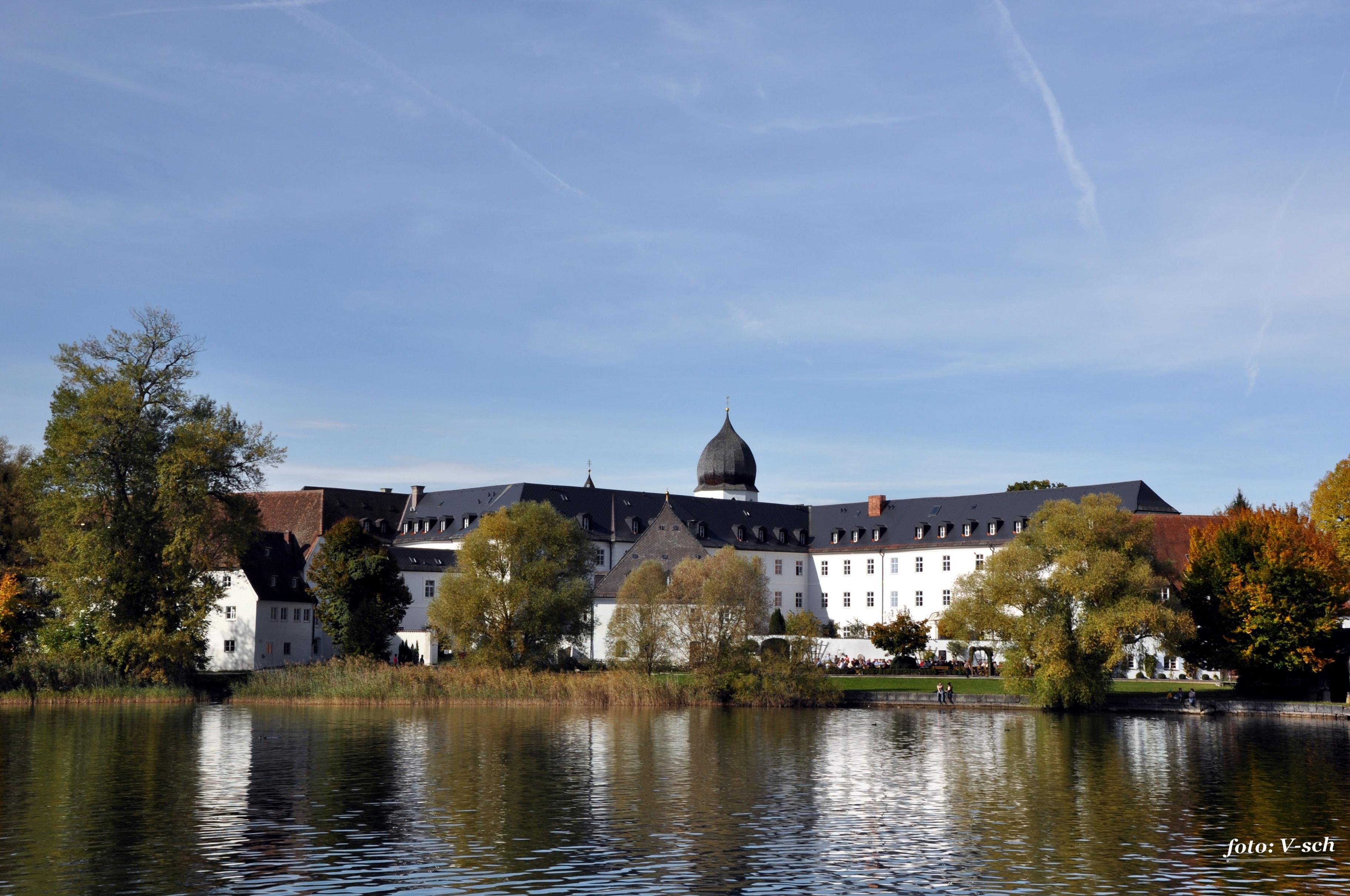 Экскурсия в королевский дворец Херренхимзее и Зальцбург